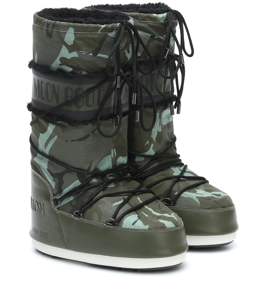 Yves Salomon x Moon Boot® leather-trimmed boots in green