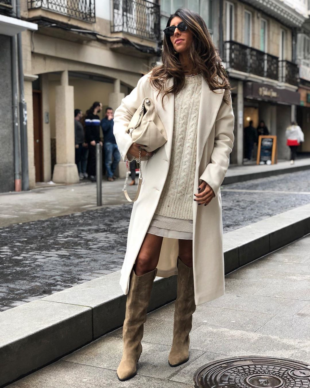shoes knee high boots white coat white sweater white shirt bag
