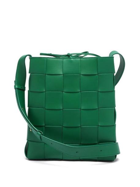 Bottega Veneta - Cassette Intrecciato Leather Cross-body Bag - Womens - Green