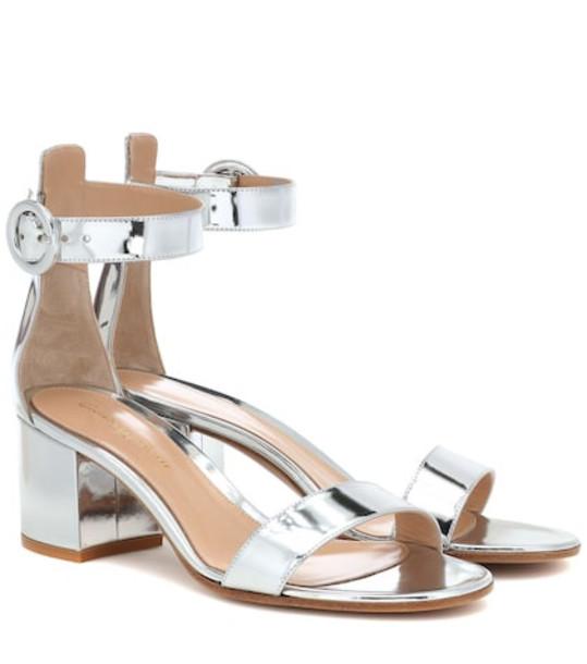 Gianvito Rossi Versilia 60 metallic leather sandals in silver