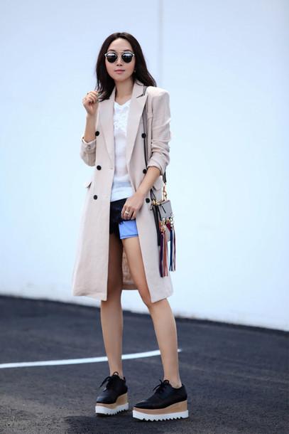 fit fab fun mom blogger tank top shorts coat shoes bag sunglasses jewels