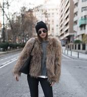 ms treinta,blogger,coat,sweater,jeans,shoes,bag,faux fur jacket,beanie,winter outfits