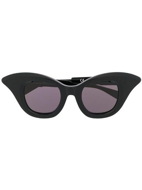 Kuboraum B20 cat eye sunglasses in black
