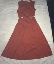 dress,wine,it has pockets