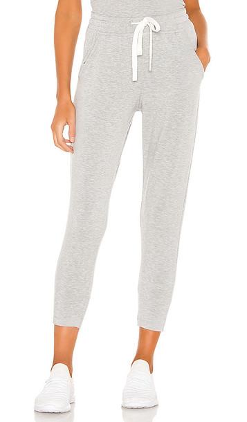 Splits59 Reena 7/8 Fleece Sweatpant in Grey