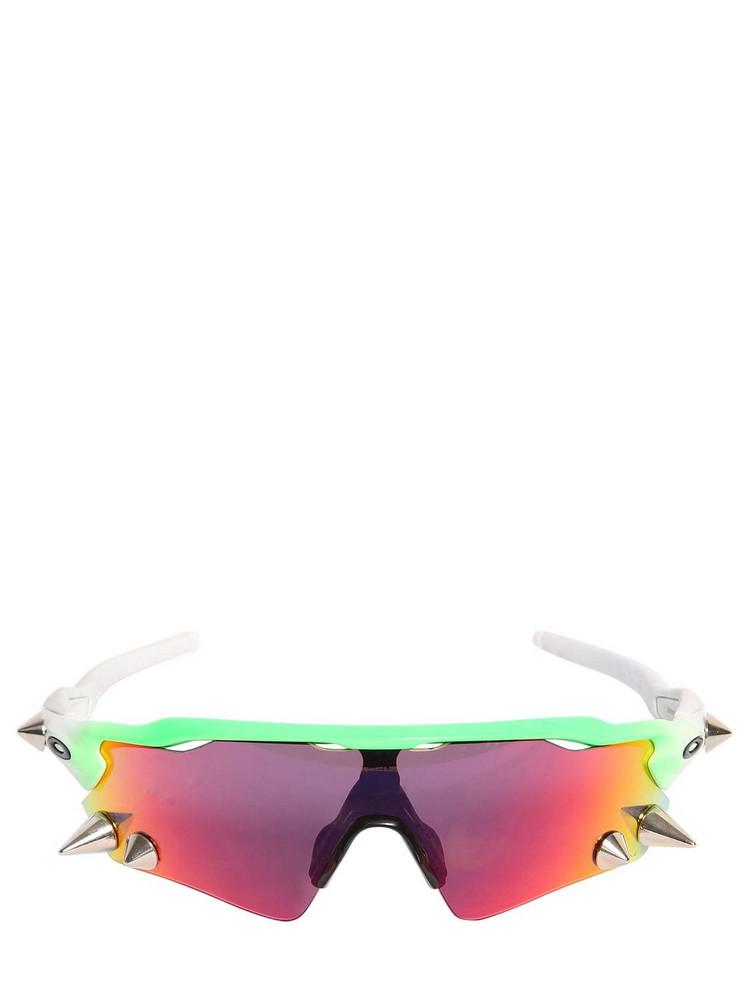 VETEMENTS Oakley 200 Small Spikes Sunglasses in green / orange