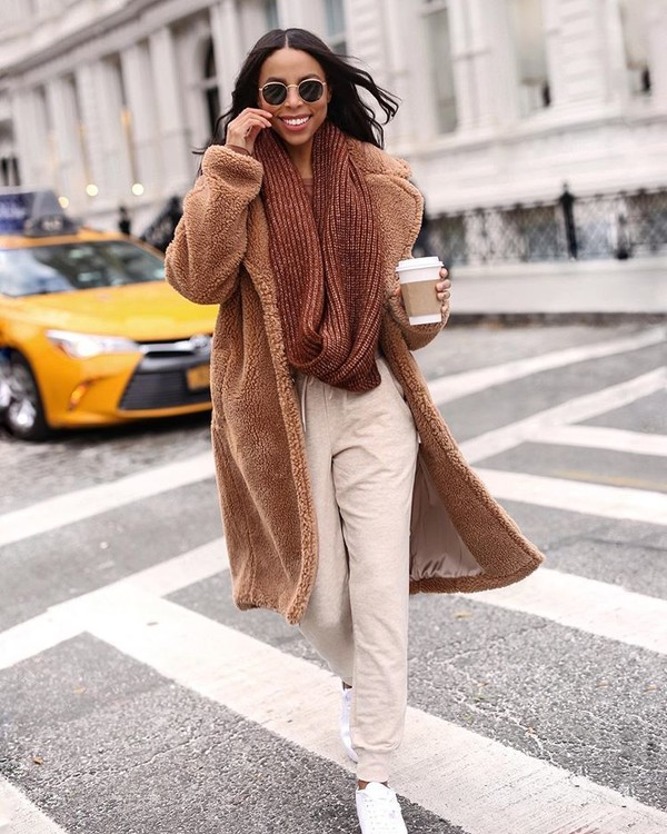 coat faux fur coat joggers white sneakers knitted scarf
