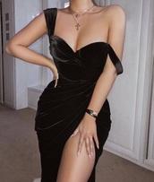 dress,black dress,velvet