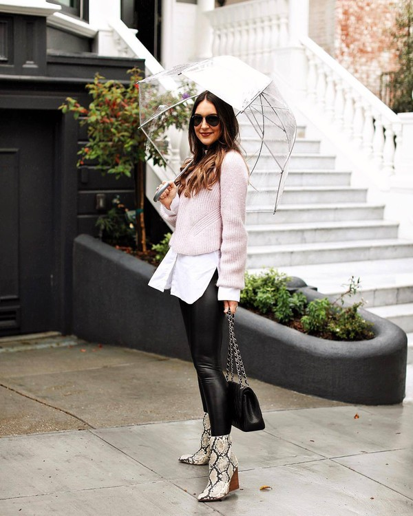 sweater knitted sweater pink sweater black leggings snake print ankle boots black bag white shirt umbrella