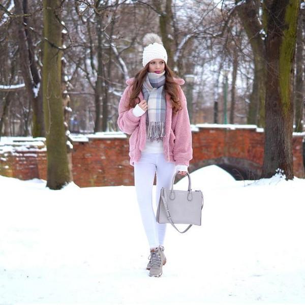 only my fashion style blogger jacket bag scarf shoes beanie pink jacket handbag
