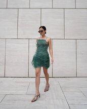 dress,mini dress,feathers,pumps