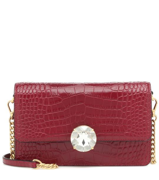 Miu Miu Croc-effect leather shoulder bag in red