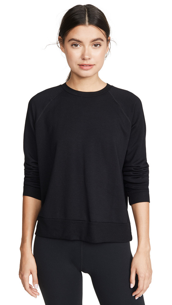 Beyond Yoga Favorite Raglan Crew Pullover in black
