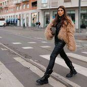 shoes,combat boots,black boots,black leather pants,black shirt,leather,faux fur jacket,bag