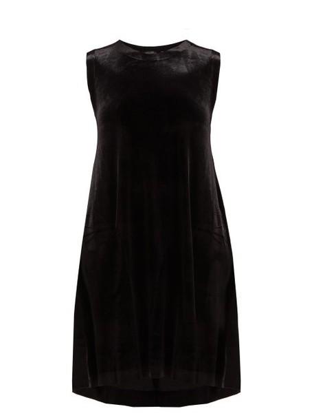 Norma Kamali - Sleeveless Stretch Velvet Midi Dress - Womens - Black