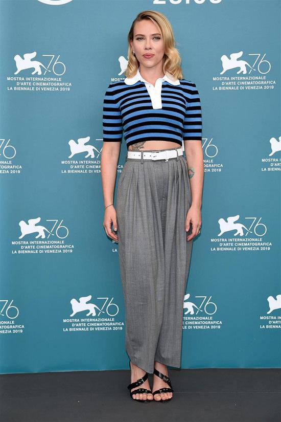 top stripes striped top polo shirt crop tops cropped scarlett johansson celebrity pants