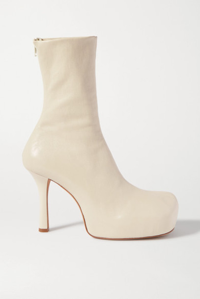 Bottega Veneta - Leather Platform Ankle Boots - Cream