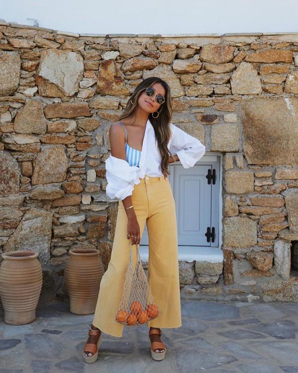 jeans high waisted jeans wide-leg pants white shirt platform sandals top bag