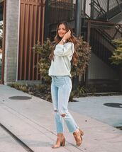 sweater,sweatshirt,ripped jeans,sandal heels