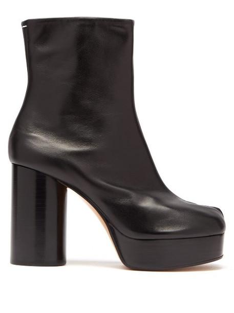 Maison Margiela - Tabi Split Toe Leather Platform Boots - Womens - Black