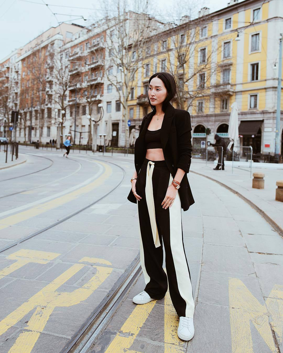 pants high waisted pants black and white white sneakers black blazer black top crop tops