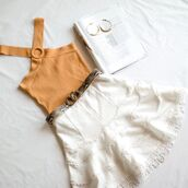 top,orange top,skirt,white skirt