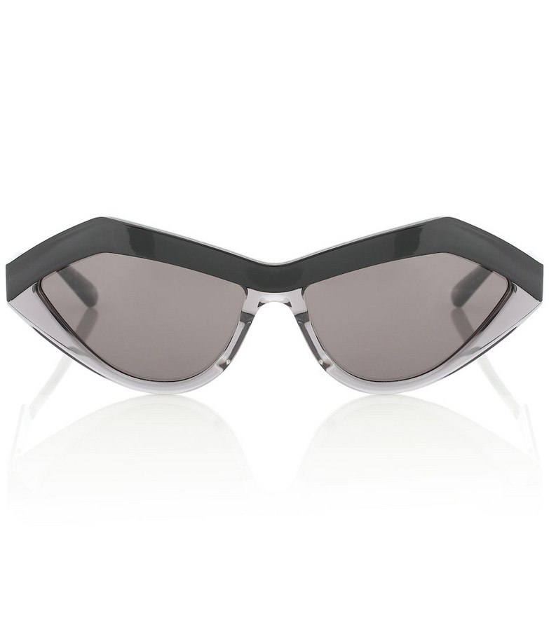 Bottega Veneta Cat-eye sunglasses in black