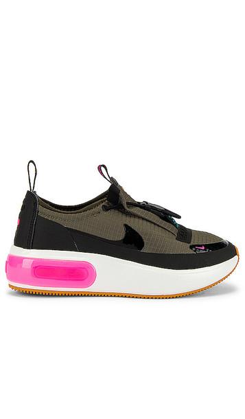 Nike Air Max Dia Sneaker in Black