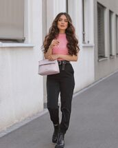 sweater,knitted top,zara,black jeans,mom jeans,black boots,bag