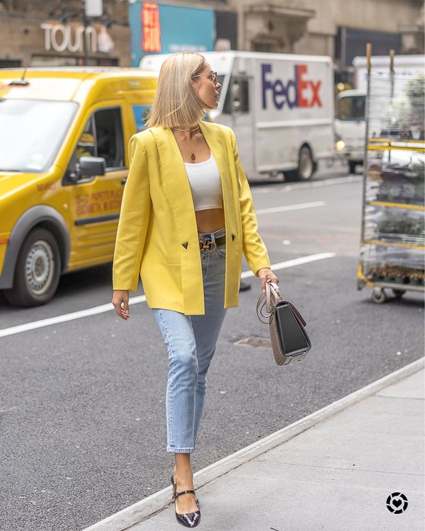 jacket blazer skinny jeans pumps bag white crop tops