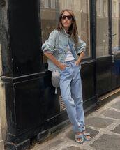 jeans,straight jeans,levi's,flat sandals,denim jacket,crossbody bag,white t-shirt