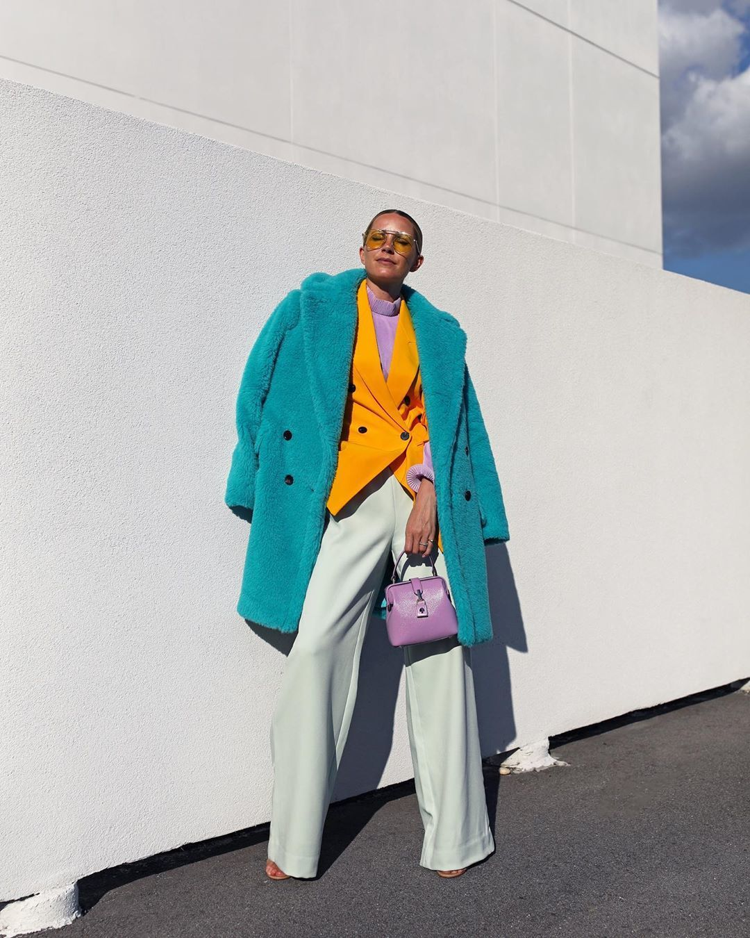 jacket blazer wide-leg pants white pants sandal heels faux fur coat bag turtleneck