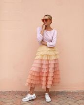 skirt,tulle skirt,sneakers,converse,striped top