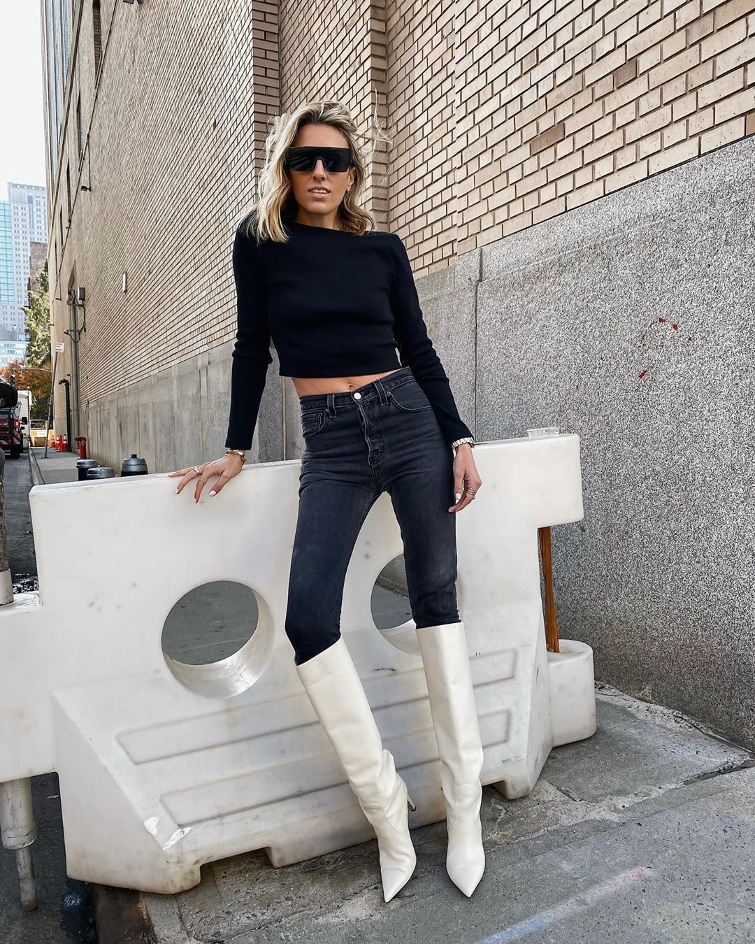 shoes white boots knee high boots high waisted jeans skinny jeans black sweater