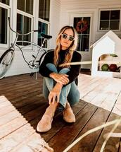 shoes,sweater,sunglasses