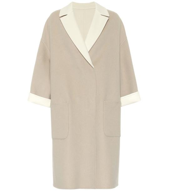 Brunello Cucinelli Reversible cashmere coat in beige