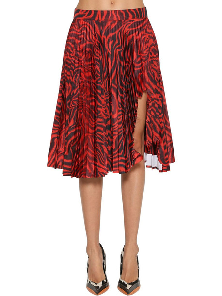 CALVIN KLEIN 205W39NYC Shark Attacked Pleated Taffeta Skirt in black / red