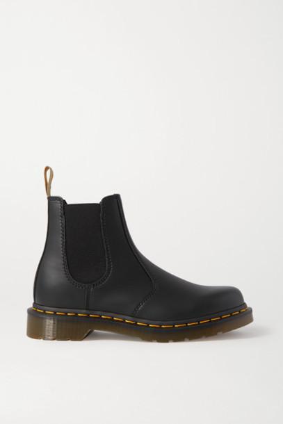 Dr. Martens - 2976 Vegan Leather Chelsea Boots - Black