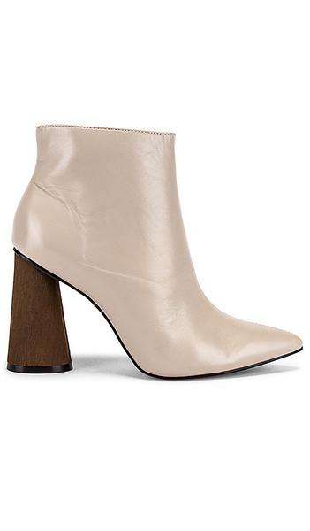 Boots - Vanessa Wu Store