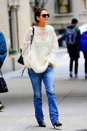 sweater,katie holmes,fall outfits,fall sweater,jeans,denim,streetstyle,celebrity