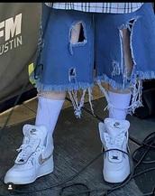 shorts,blue ripped shorts