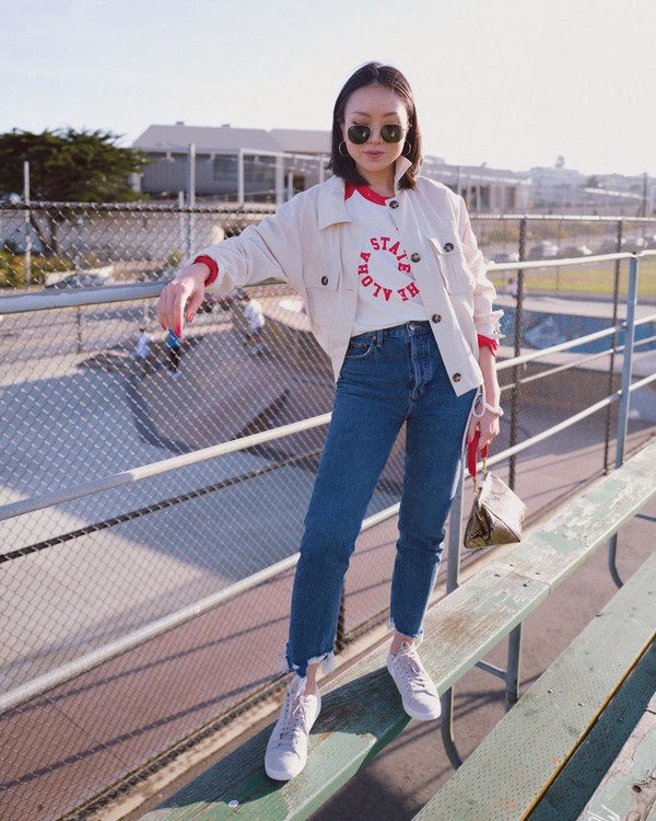 top white top madewell high waisted jeans sneakers handbag cropped jacket