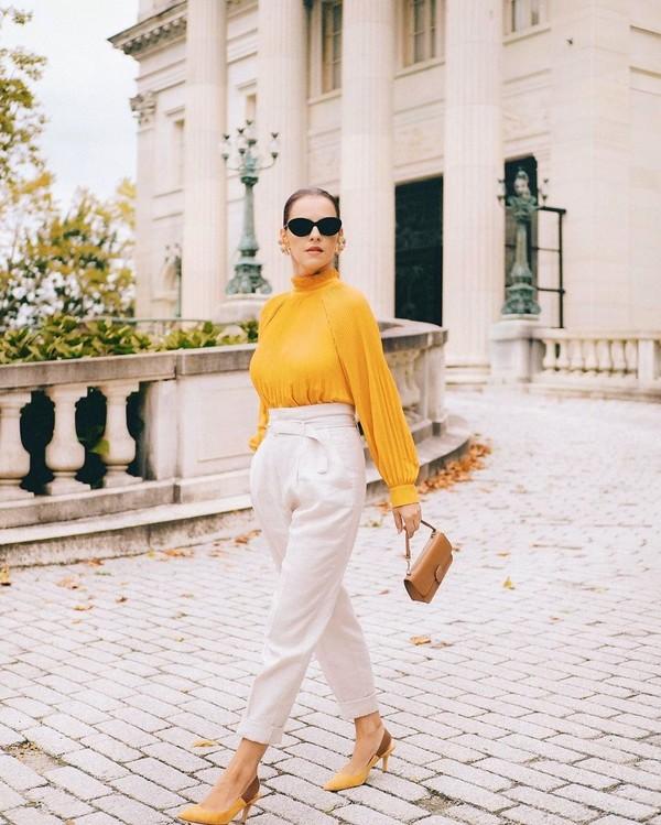 top blouse high waisted pants slingbacks brown bag