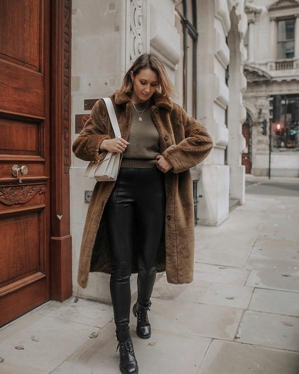 pants black leather pants topshop black boots faux fur coat sweater white bag