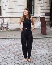 pants,high waisted pants,black pants,black sandals,black top