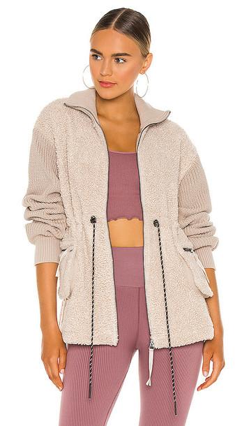 Varley Westwood Sweater in Beige in grey / silver