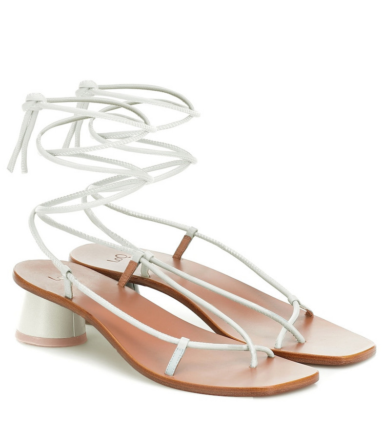 LOQ Olea leather sandals in white