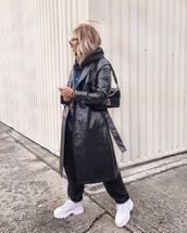 coat,trench coat,crocodile,white shoes,tracksuit,black bag,shoulder bag