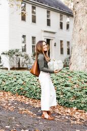 dress corilynn,blogger,pants,shoes,bag,fall outfits,tote bag,white pants