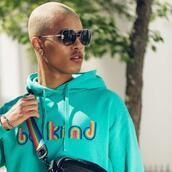 sweater,sunglasses